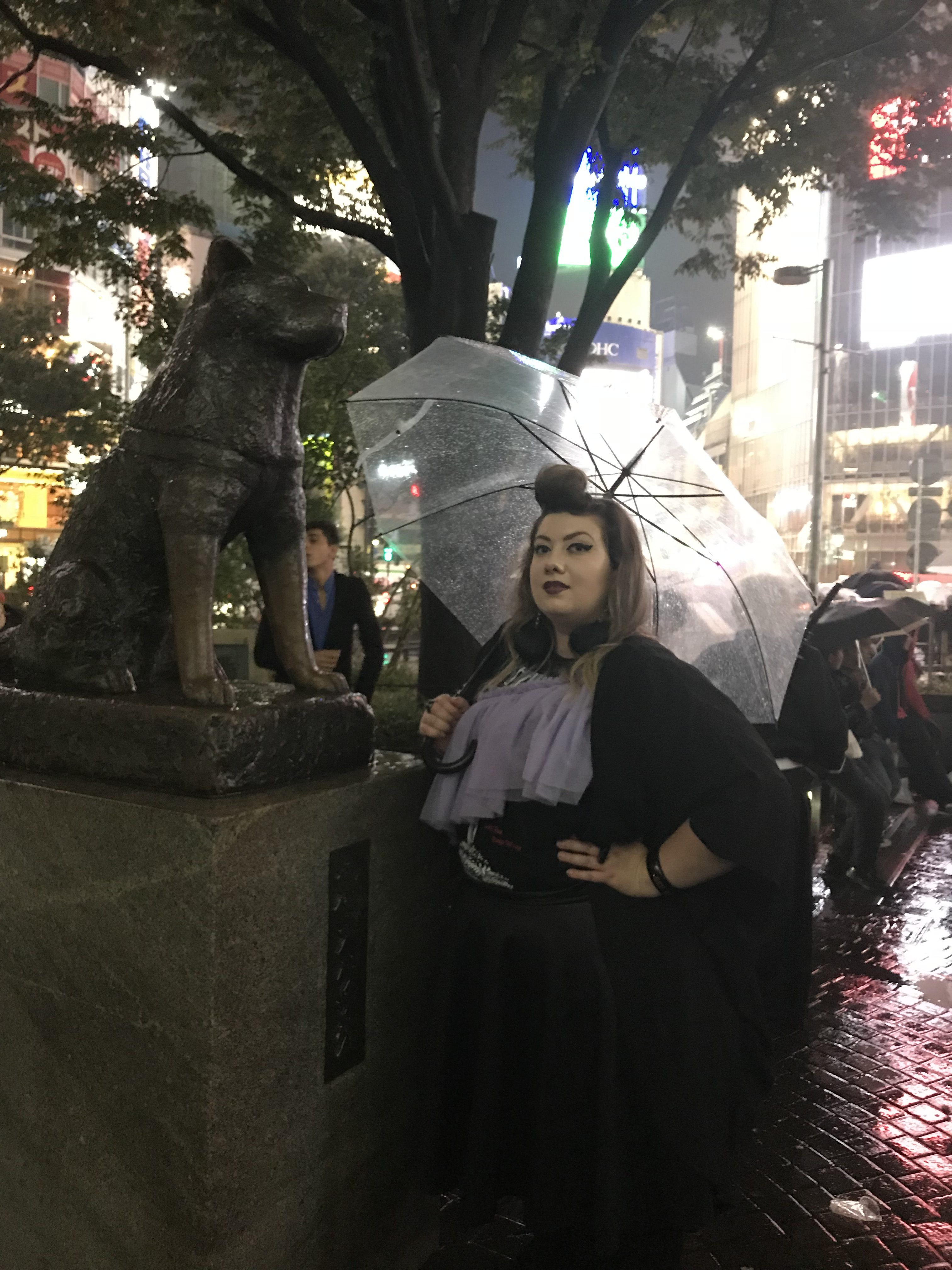 hachiki shibuya crossing tokyo japan curvy girl blogger city guide
