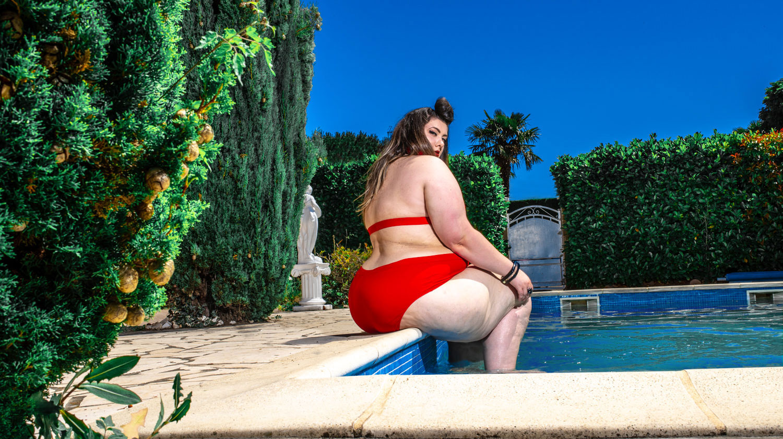 bikini fatkini bbw plus size blogger curvy girl maillot de bain grande taille sexy