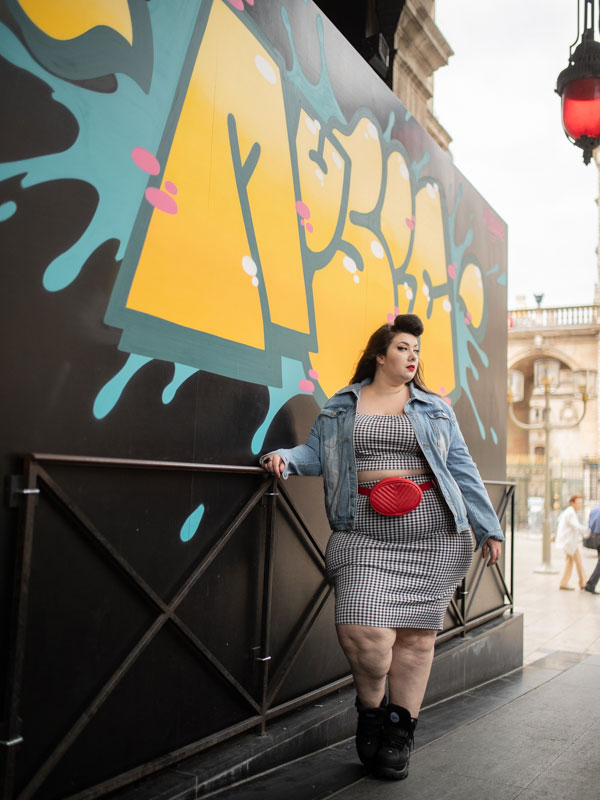 pretty little thing plus size curvy girl grande taille blogger ronde fat big booty bodypositive