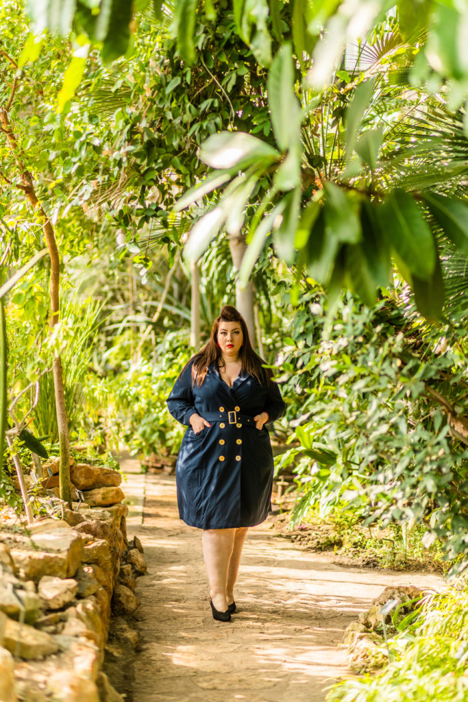 navabi trench dress navy jungle lyon plus size grande taille curvy girl blogger