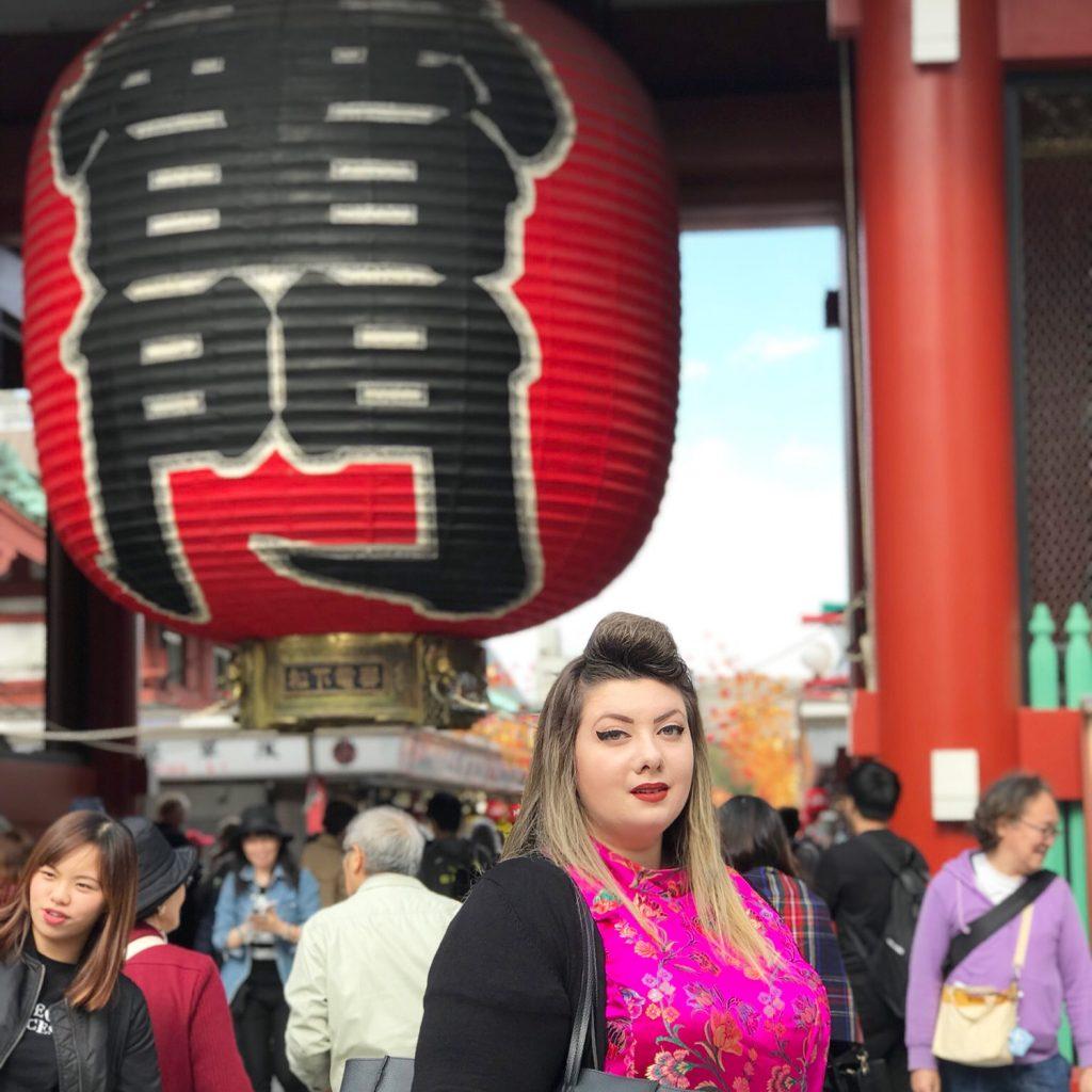 tokyo travel curvy girl city guide japan asakusa lantern