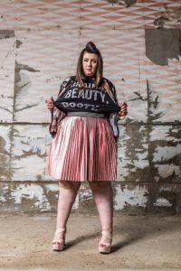 Virginie Grossat blog mode grande taille plus size asos curve metallic skirt