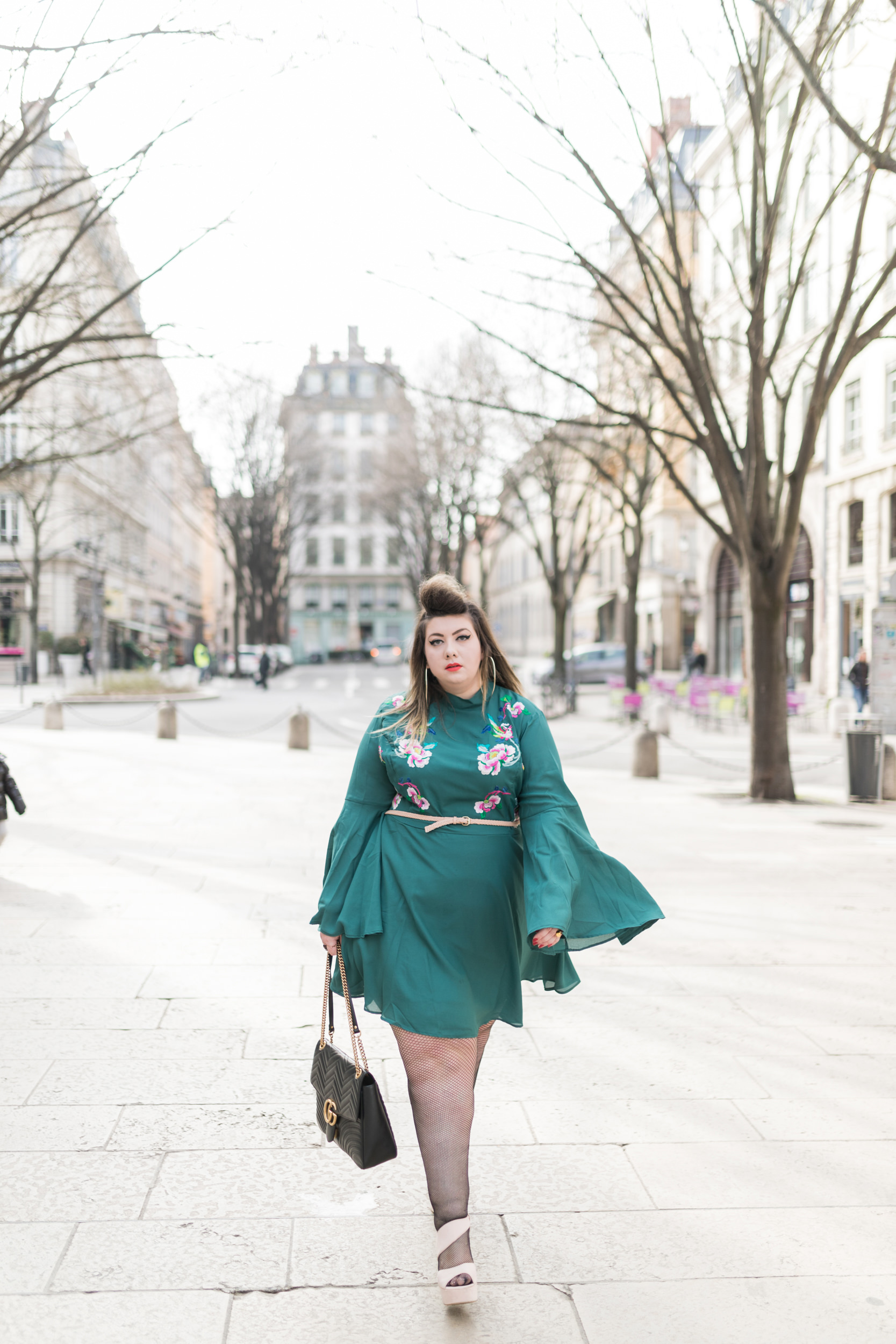 asos curve curvy girl dress blogger plus size flower bird