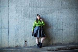 boohoo curve plus size blogger mode grande taille ronde fat snake print leather skirt buffalo